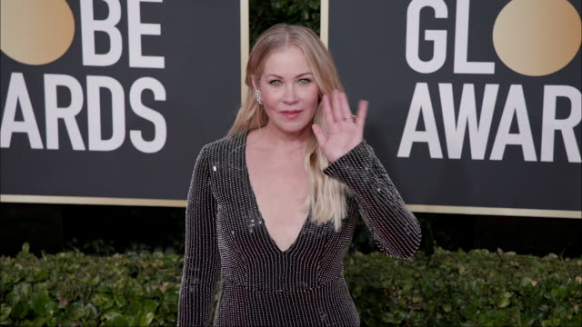 christina applegate at the 77th annual golden globe awards at the beverly hilton hotel on january 05 2020 in beverly hills california - the beverly hilton hotel stock-videos und b-roll-filmmaterial