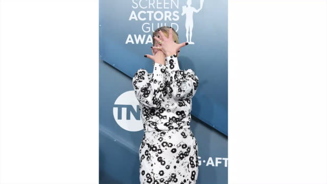 christina applegate attends the 26th annual screen actors guild awards at the shrine auditorium on january 19, 2020 in los angeles, california. - screen actors guild awards stock-videos und b-roll-filmmaterial
