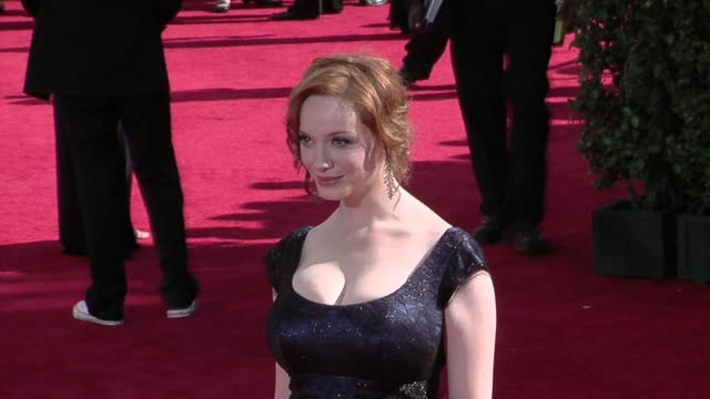 christina hendricks at the 61st annual primetime emmy awards arrivals part 3 at los angeles ca - annual primetime emmy awards stock-videos und b-roll-filmmaterial