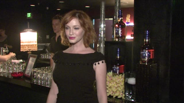vídeos de stock, filmes e b-roll de christina hendricks at the lionsgate presents the live revue a night on the town with 'mad men' at los angeles ca - revista representação teatral