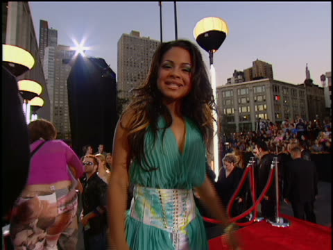 stockvideo's en b-roll-footage met christina milian arriving at lincoln center for the 2001 mtv mtv video music awards the mtv video music awards are held at the metropolitan opera... - 2001