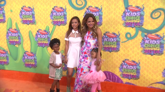 christina milian at nickelodeon's 27th annual kids' choice awards at usc galen center on march 29 2014 in los angeles california - nickelodeon bildbanksvideor och videomaterial från bakom kulisserna