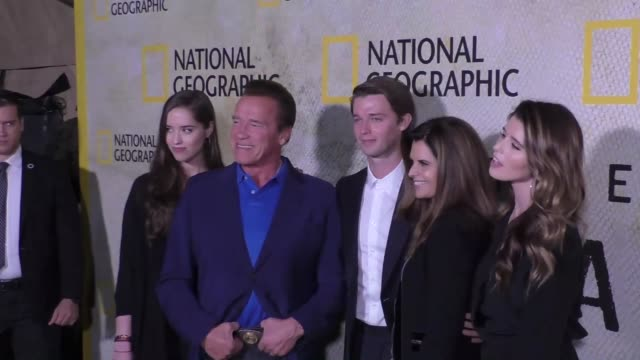 vidéos et rushes de christina schwarzenegger arnold schwarzenegger patrick schwarzenegger maria shriver katherine schwarzenegger at the premiere of national geographic's... - arnold schwarzenegger