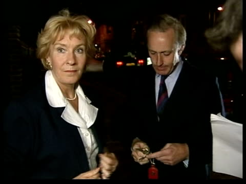 lib at night christine and neil hamilton arriving back at flats after being freed by the police christine hamilton speaking to press sot this is a... - christine last stock-videos und b-roll-filmmaterial