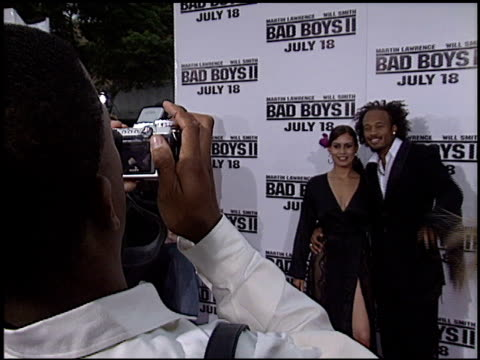 vídeos de stock, filmes e b-roll de christine carlo at the 'bad boys ii' premiere on july 9 2003 - bad boys ii