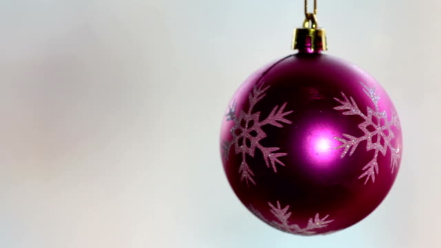 christmas ball - lametta stock-videos und b-roll-filmmaterial