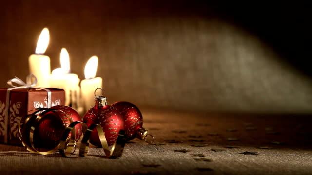 Weihnachten Kerzen und Bälle
