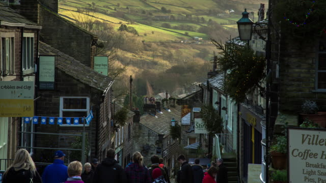 Christmas Crowds on Haworth High Street - Time Lapse
