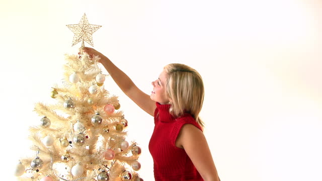 stockvideo's en b-roll-footage met christmas decoration - coltrui
