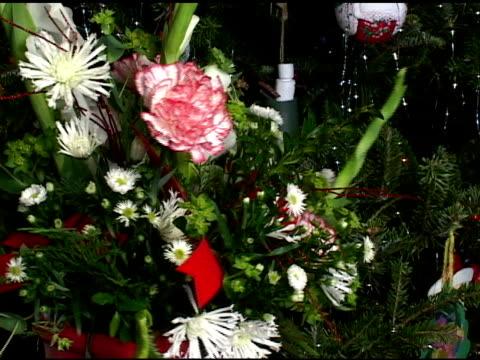 christmas flower arrangement - flower arrangement stock videos & royalty-free footage
