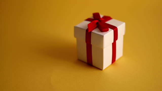 Christmas gift panning with yellow background