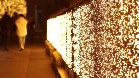 vidéos et rushes de christmas illumination avenue montaigne. paris - trottoir