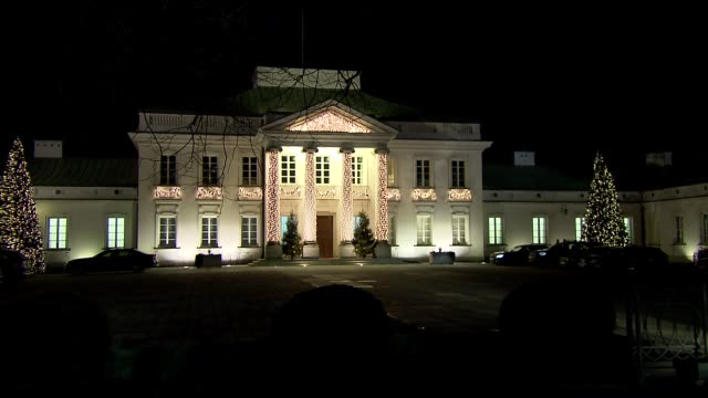 christmas illumination of belweder palace - palace stock-videos und b-roll-filmmaterial
