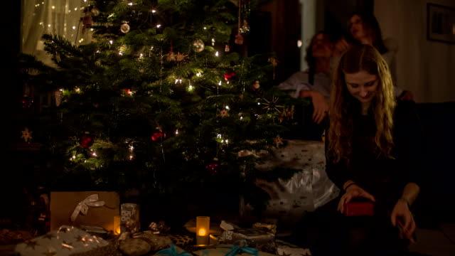 christmas in a german family - dekoration stock-videos und b-roll-filmmaterial