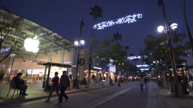 christmas in santa monica - promenade stock videos & royalty-free footage
