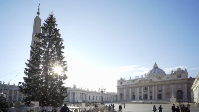christmas in st peter's square, vatican city, rome, italy - christmas tree stock videos & royalty-free footage