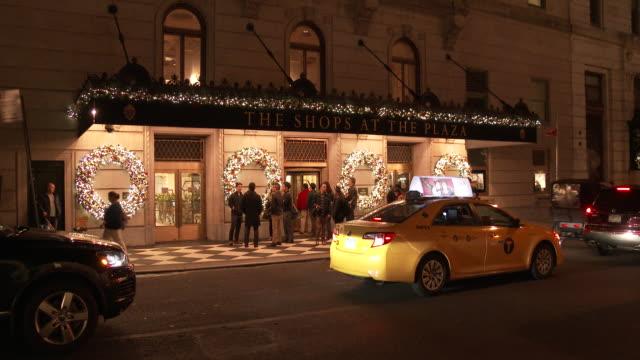christmas lights & holiday decorations - midtown manhattan - scott mcpartland stock videos & royalty-free footage