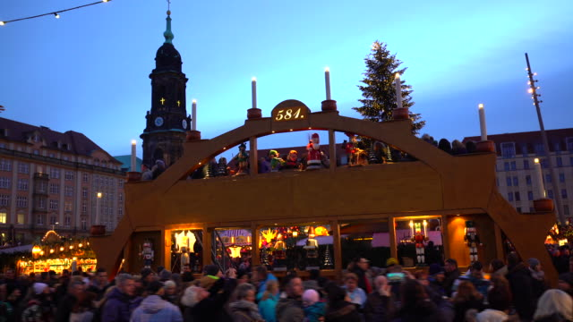 Christmas Market in Dresden, Time Lapse