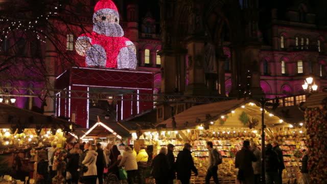 christmas market & town hall, albert square, manchester, lancashire, england, united kingdom  - christmas market stock videos & royalty-free footage