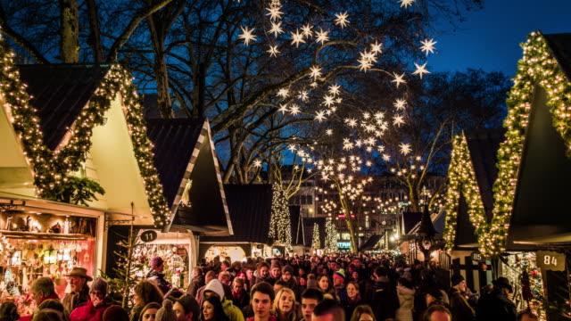 christmas market - mercato all'aperto video stock e b–roll