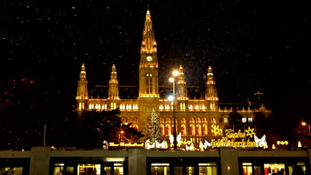 christmas market vienna town hall - vienna austria stock videos & royalty-free footage