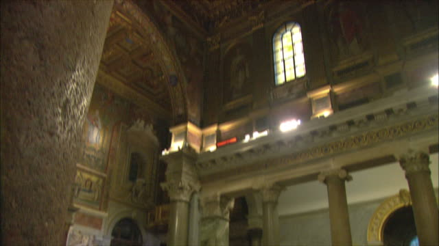 WS TD Christmas meal for less fortunate in Basilica di Santa Maria in Trastevere / Rome, Italy