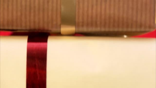 christmas presents sweden. - regalo di natale video stock e b–roll