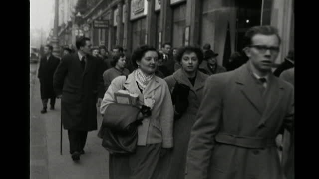 christmas shoppers on oxford street, 1954 - 1954 stock videos & royalty-free footage