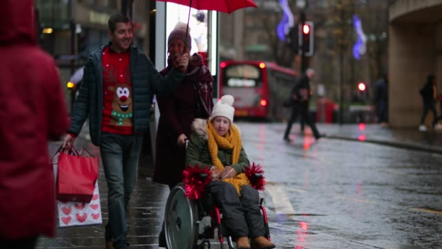 christmas shopping in the city - cerebral palsy stock videos & royalty-free footage