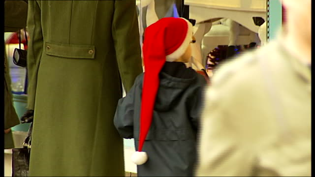 christmas shopping on oxford street crowds of shoppers along busy oxford street past shop windows showing sale and discount sign christmas... - discount shop stock videos & royalty-free footage