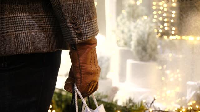 christmas shopping - shopping bag stock videos & royalty-free footage