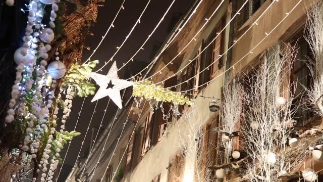 weihnachtszeit in straßburg, frankreich - straßburg stock-videos und b-roll-filmmaterial