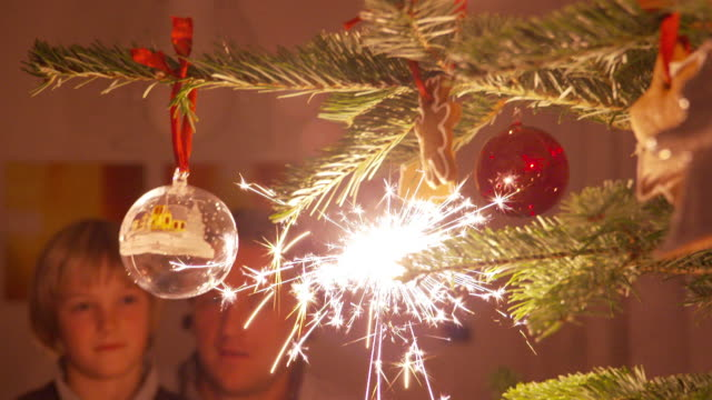 christmas time, star splashes - scultura video stock e b–roll