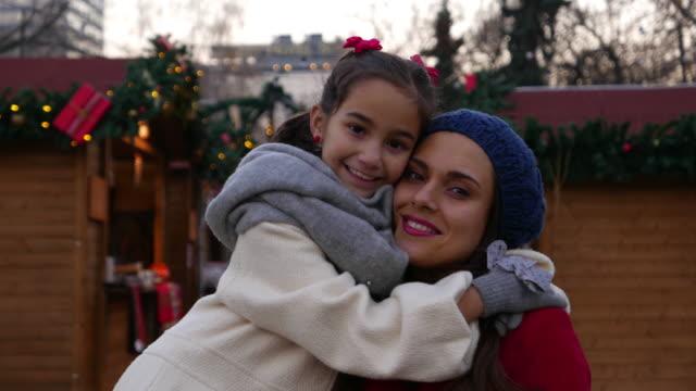 weihnachtszeit zeit - marktstand stock-videos und b-roll-filmmaterial