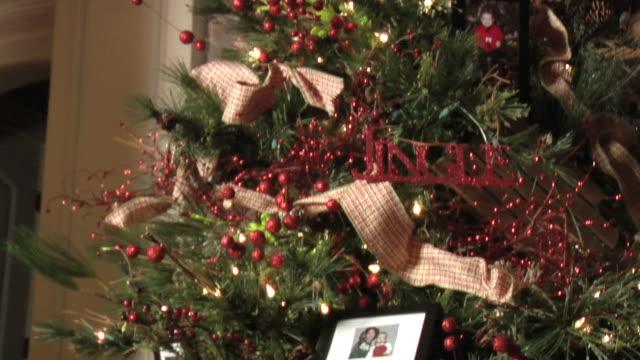 Weihnachtsbaum & Baby