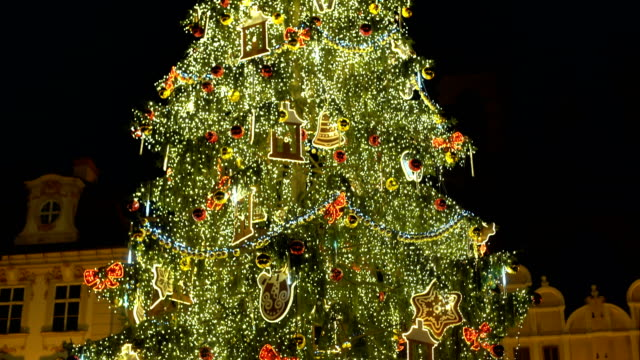 christmas tree in old town, panning - prague stock videos & royalty-free footage