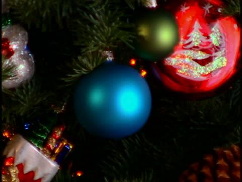 vídeos y material grabado en eventos de stock de christmas tree - piña de piñones