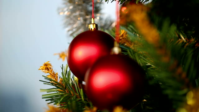 christmas tree with ornaments - christmas bauble stock videos & royalty-free footage