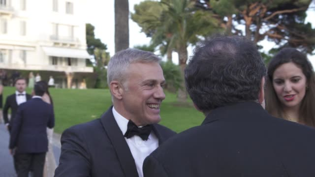 christoph waltz at amfar gala cannes 2019 on may 17, 2019 in cap d'antibes, france. - 第71回カンヌ国際映画祭点の映像素材/bロール