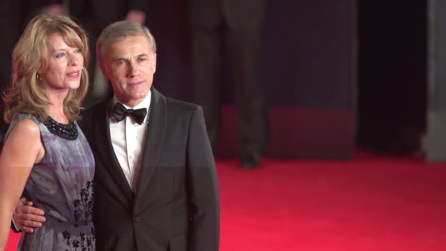 christoph waltz at 'spectre' world premiere at royal albert hall on october 26, 2015 in london, england. - royal albert hall点の映像素材/bロール