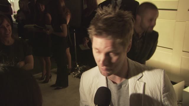 christopher bailey at the burberry beverly hills store re-opening at los angeles ca. - beverly hills点の映像素材/bロール