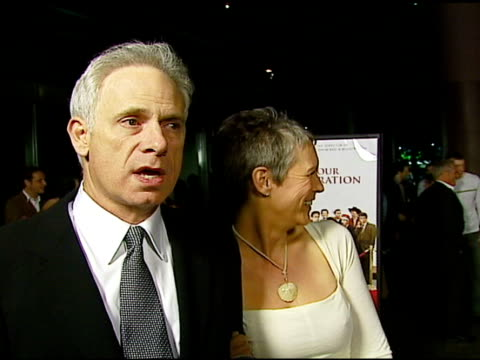 christopher guest w/ jamie lee curtis on the basis of the idea how the idea became a movie and how their process has stayed the same over the years... - director's guild of america stock-videos und b-roll-filmmaterial