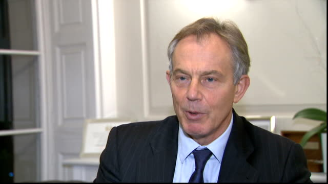 christopher hitchens dies at the age of 62 london tony blair interview sot had formidable courage in standing up for what he believed - christopher hitchens stock videos & royalty-free footage