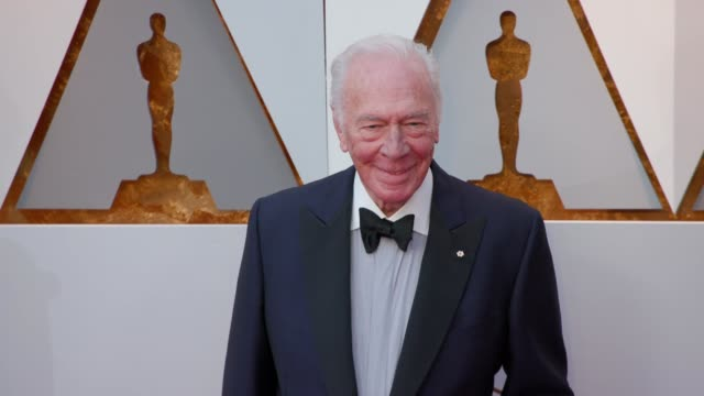 vídeos y material grabado en eventos de stock de christopher plummer at the 90th academy awards - arrivals at dolby theatre on march 04, 2018 in hollywood, california. - christopher plummer