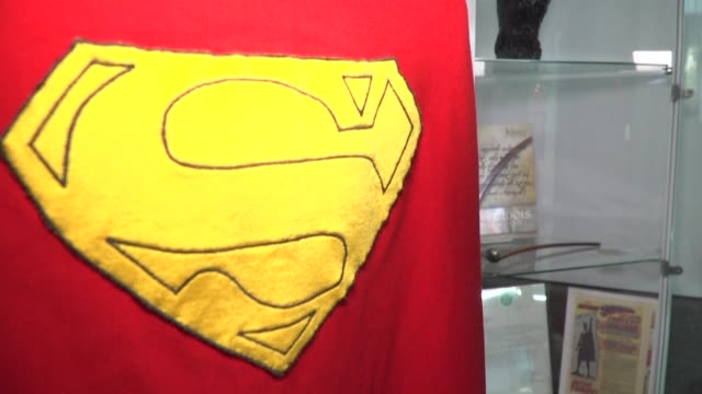 christopher reeve's superman cape sells for $193,750 at julien's blockbuster auction of rare hollywood memorabilia setting a new world record as the... - superman superhero stock videos & royalty-free footage