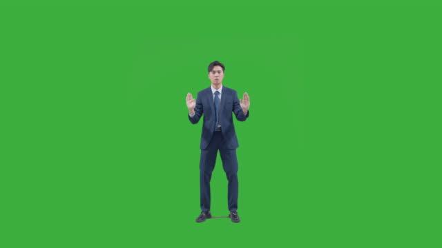 vídeos de stock, filmes e b-roll de chroma key - business person performing mime acts - camisa e gravata