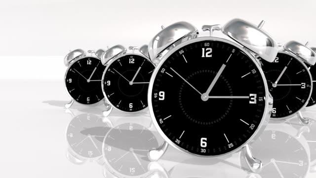 chrome metal orologio di conto alla rovescia 10 secondi stop motion - 10 seconds or greater video stock e b–roll