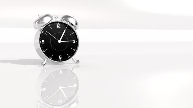 vídeos de stock e filmes b-roll de cromo metal relógio de contagem até 10 segundos - 10 seconds or greater