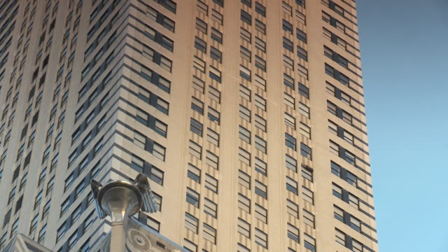 CU ZO WS LA Chrysler building against blue sky / New York City, New York, USA
