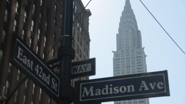 chrysler building, madison avenue & 42nd street signs, manhattan, new york city, new york, usa, north america - chrysler building stock videos & royalty-free footage